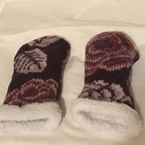 Accessories - Maroon Handcrafted Mittens without Thumbs -